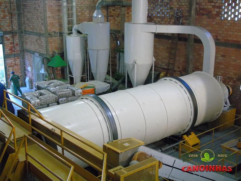 Vista panorâmica das máquinas do sistema de sacagem de erva mate.